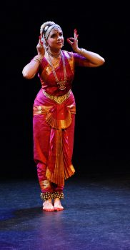 "Sharmila Rao in ""Kelano Hari"", Purandara Dasa Pada, photo by A. Tönz"