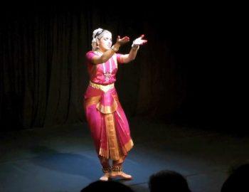 Sharmila Rao in Kelano Hari.mp4_snapshot_01.11